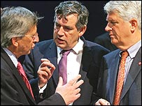 Gordon Brown (centre) with Luxembourg prime minister Jean-Claude Juncker (l) and German finance minister Caio Koch-Weser