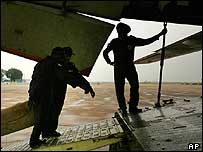 Loading the Indian air force plane