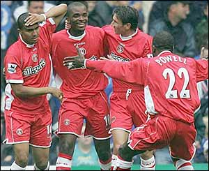 Charlton celebrate Darren Bent's goal at Birmingham