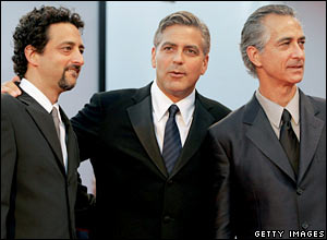 Grant Heslov (l), George Clooney and David Strathairn