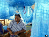 Fisherman makes nets to sell, AP