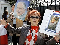 Supporters of General Pinochet outside his Santiago home