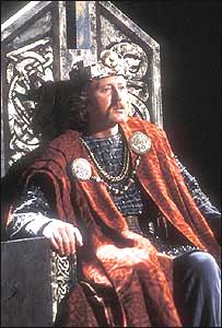 El actor Nicol Williamson encarnando a Macbeth