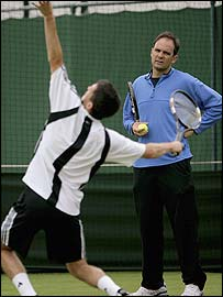 Paul Annacone watches Tim Henman