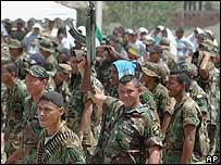 Desmovilización paramilitar en Colombia, 18 de enero de 2005
