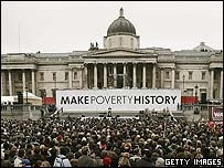 Crowds in London's Trafalgar Square to hear an appeal from Nelson's Mandela