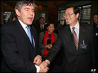 UK Chancellor of the Exchequer Gordon Brown and the Governor of the People's Bank of China, Zhou Xiaochuan