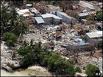 Tsunami damage on Vilufushi island