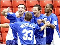 David Unsworth celebrates his goal with his Ipswich team-mates