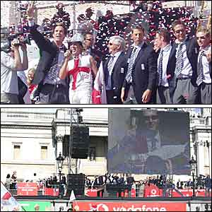 The team arrive in Trafalgar Square and sing the unofficial Ashes anthem Jerusalem