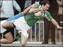 Geordan Murphy crosses for Ireland's first try against Italy on Sunday