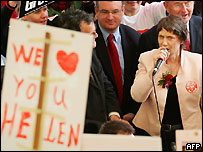 New Zealand Prime Minister Helen Clark (R), addresses students during her election campaign at the Auckland University campus, 15 September