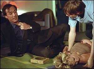 Steve kills Saskia in EastEnders