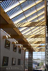 Photovoltaic solar array on the roof of Southampton University (Image: University of Southampton)