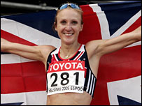 Paula Radcliffe celebrates winning gold at the World Championships
