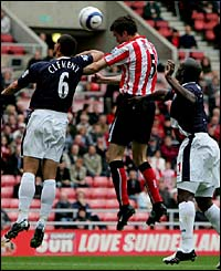 Gary Breen heads home Sunderland's opening goal