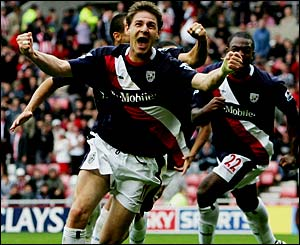 Zoltan Gera celebrates his last minute goal