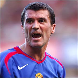 Manchester United's Roy Keane shouts instructions