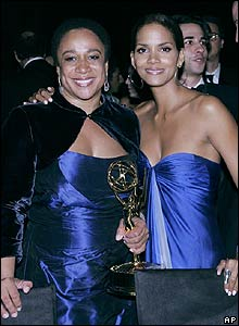 S Epatha Merkerson and Halle Berry
