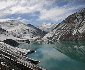 R�o entre Lhasa y Zhigatse.