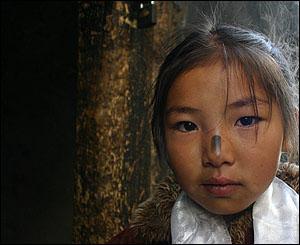 Ni�a en el monasterio de Sera Thekchenling, Lhasa.
