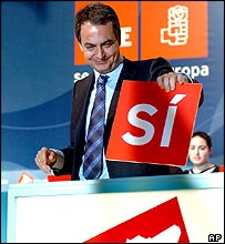 Mr Zapatero with symbolic 'yes' ballot