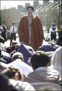 Cleric Abu Hamza al-Masri preaching in 2004