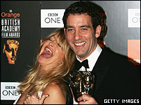 Goldie Hawn and Clive Owen