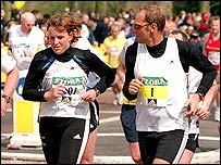 Sir Steve Redgrave and his wife Lady Ann in the 2001 London Marathon