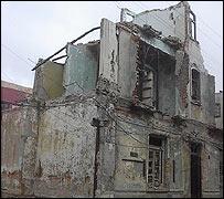 La Biblioteca Abandonada _40823804_ritacuba3