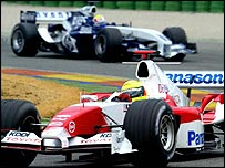 Ralf Schumacher's Toyota ahead of Mark Webber's Williams in pre-season Formula One testing