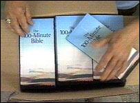 Copias de la nueva versión de la Biblia.