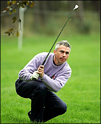 Jonathan Edwards plays from the rough