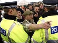Police and pro-hunt supporters
