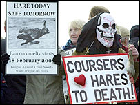 Anti-hunt protesters demonstrate