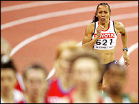 Kelly Holmes in action in the 2004 World Indoor Championships