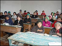 Children at school in Uzbekistan. Copyright: Irin