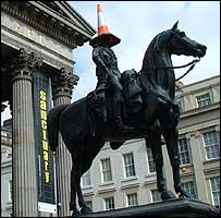 Duke Of Wellington statue, Royal Exchange Square (Image courtesy of Fab Properties)