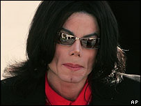 Michael Jackson arrives for court on 14 February 2005