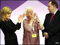 Winnie Ewing with Nicola Sturgeon and Alex Salmond