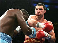 Wladimir Klitschko (right) on his way to victory in New York