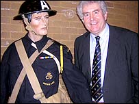 First Minister Rhodri Morgan with mannequin at WW2 exhibition