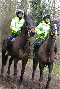 Police at the Surrey Union hunt