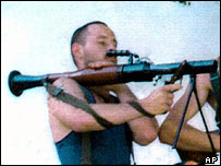 David Hicks poses with bazooka in Kosovo (archive)