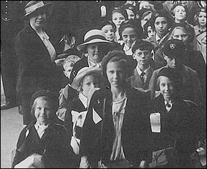 Evacuees on station platform, courtesy of Merthyr library