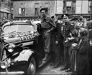 Edward Chapman VC welcomed home - picture courtesy of Merthyr library