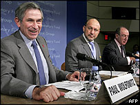 World Bank president Paul Wolfowitz (left), development committee chairman Trevor Manuel and IMF managing director Rodrigo de Rato