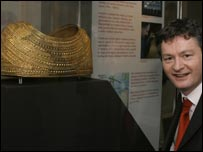 Welsh Culture Minister Alun Pugh with the Mold Cape