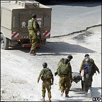 Israeli troops recover body from near Ramallah