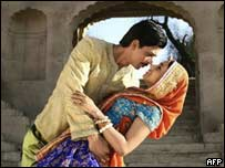 Paheli actors Shah Rukh Khan and Rani Mukherjee